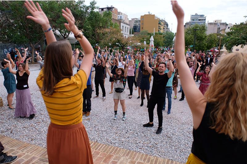 Flashmob-MitOst-Festival-Athen